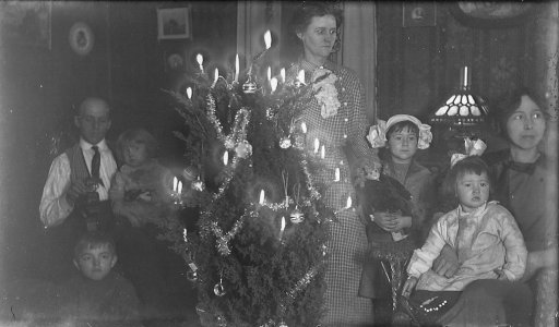 The History of Christmas Lights   Bluegrass Lawncare